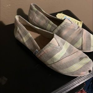 Tons shoes